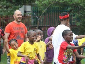 Les collaborateurs CARGLASS® à la rencontre d'Afrika Tikkun