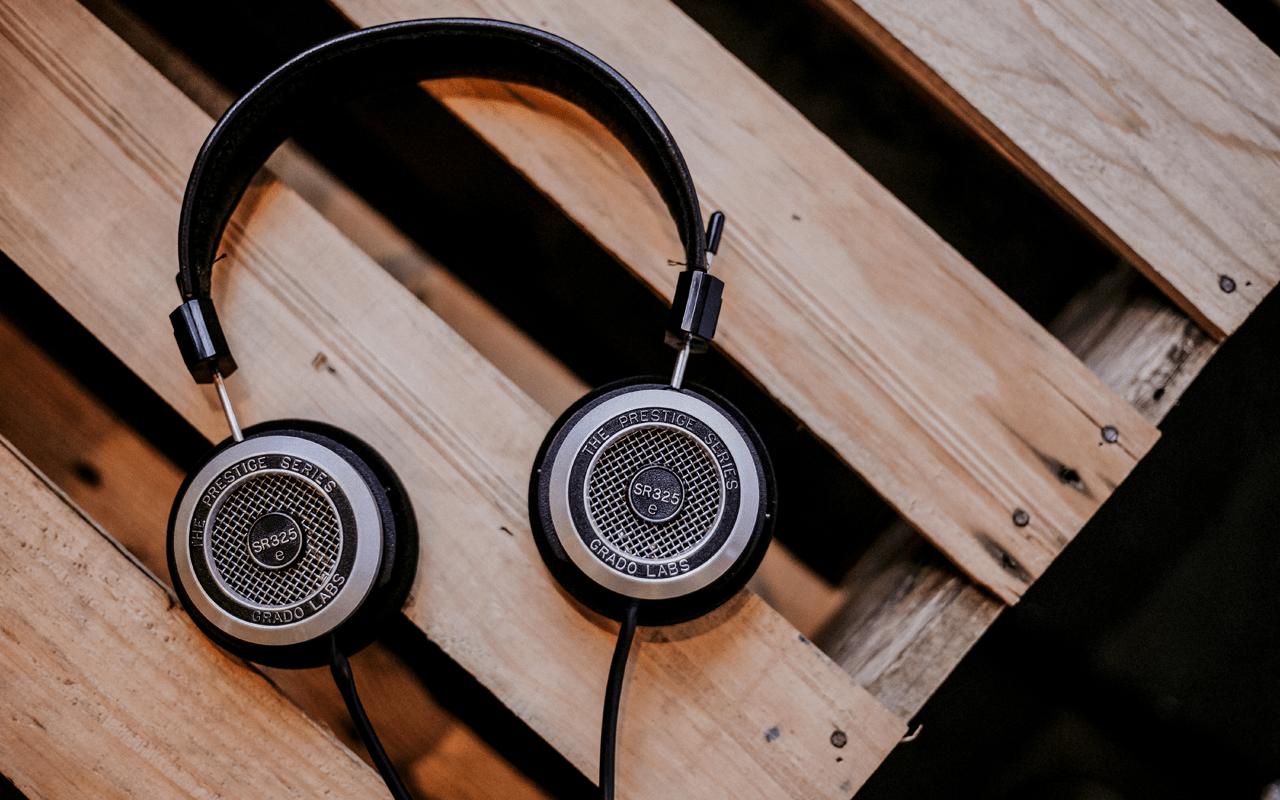 Le podcast fait entendre sa voix dans la communication interne